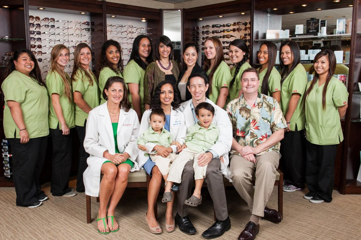 Honolulu eye clinic staff